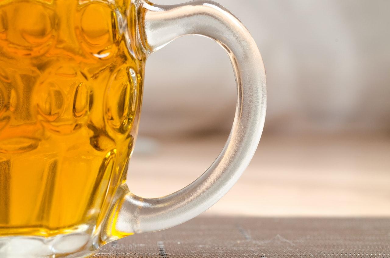 Titelbild: Jeden Tag ein Bier