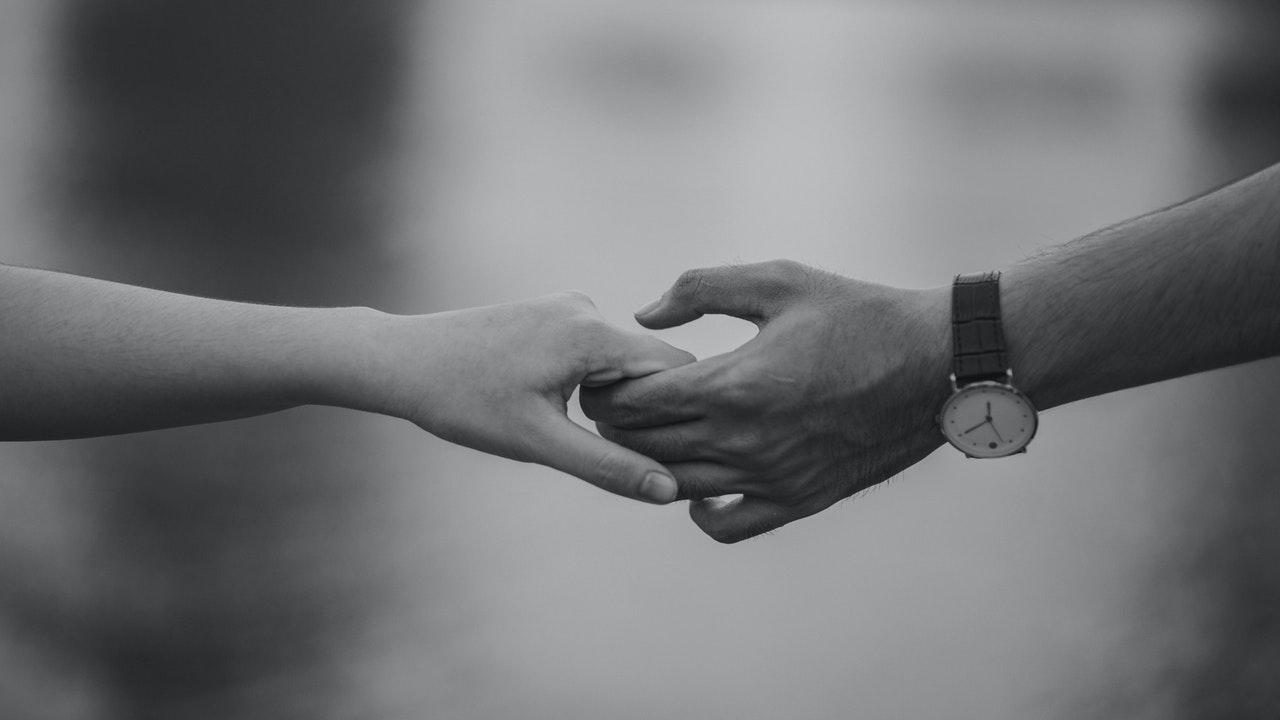 Wie kann ich mit sexuellem Druck in der Beziehung umgehen?