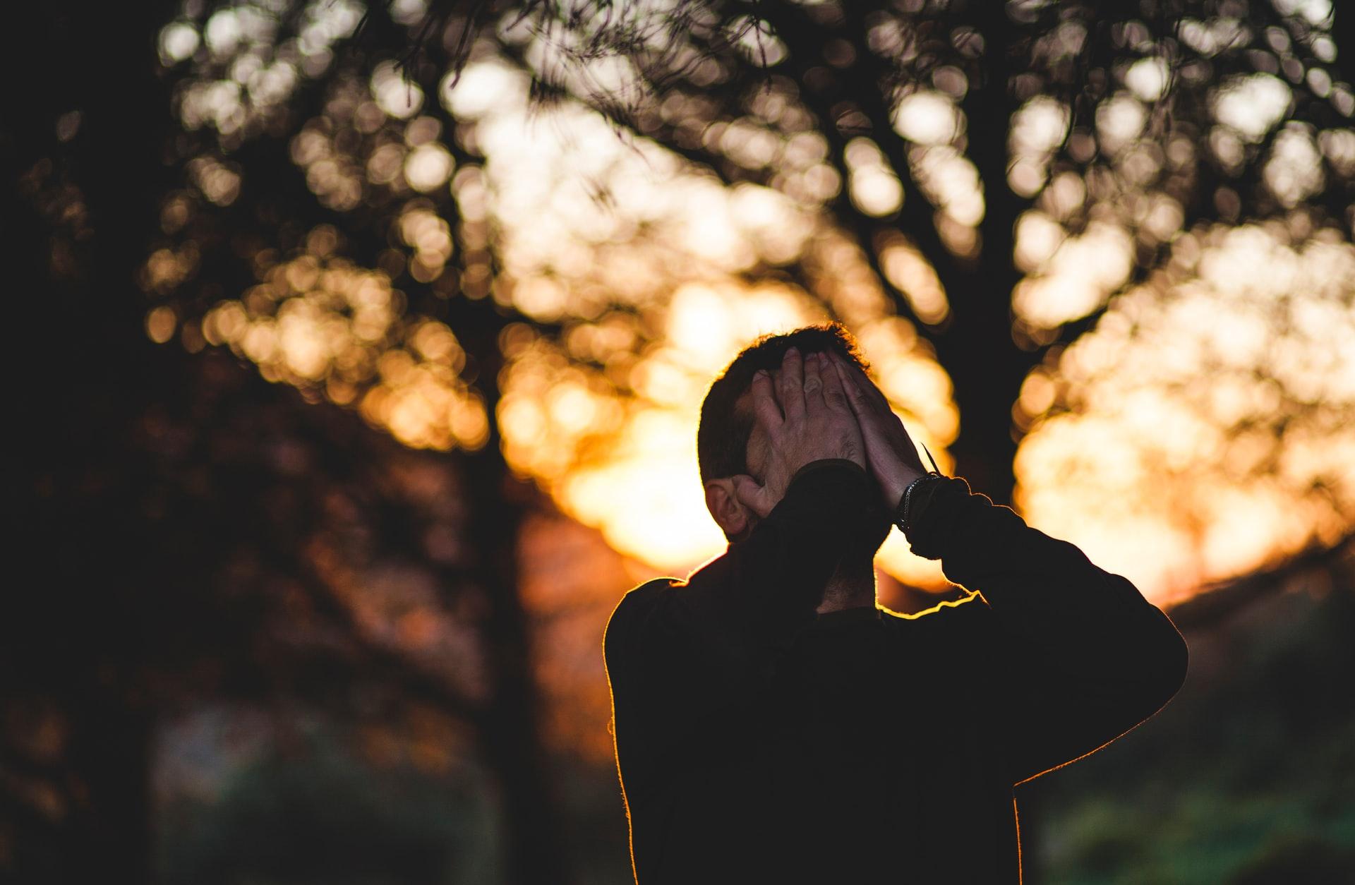 Titelbild: Negative Gedanken loswerden