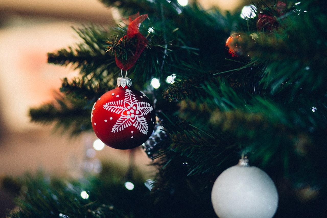 Titelbild: Weihnachten alleine feiern