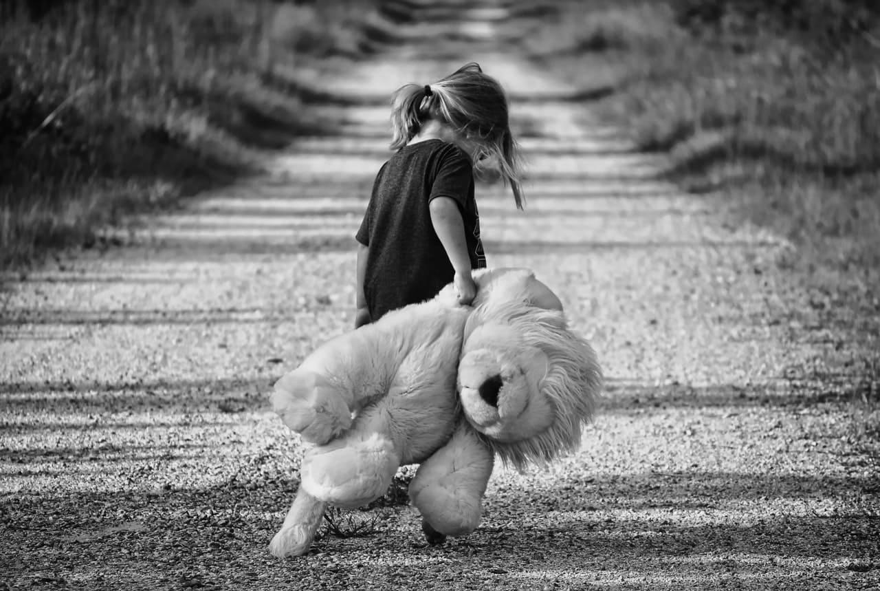Titelbild: Trauma bei Kindern und Jugendlichen
