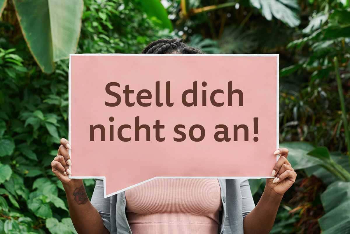 Titelbild: Frau ist aktiv gegen Stigmatisierung psychisch Kranker